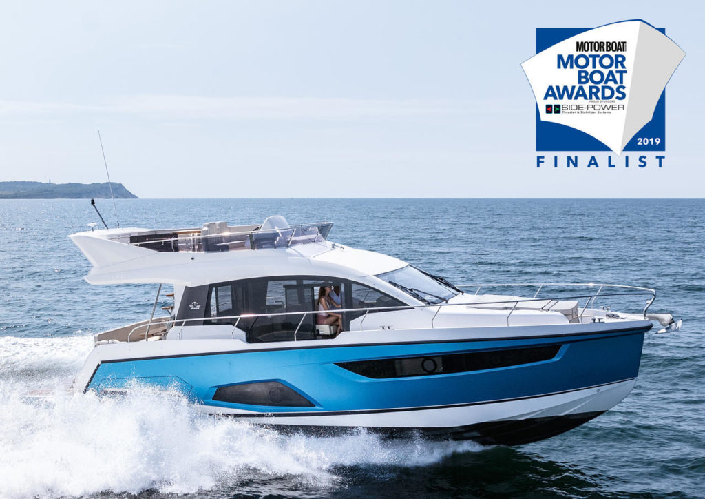 Sealine F430 nominado para los Motor Boat Awards 2019